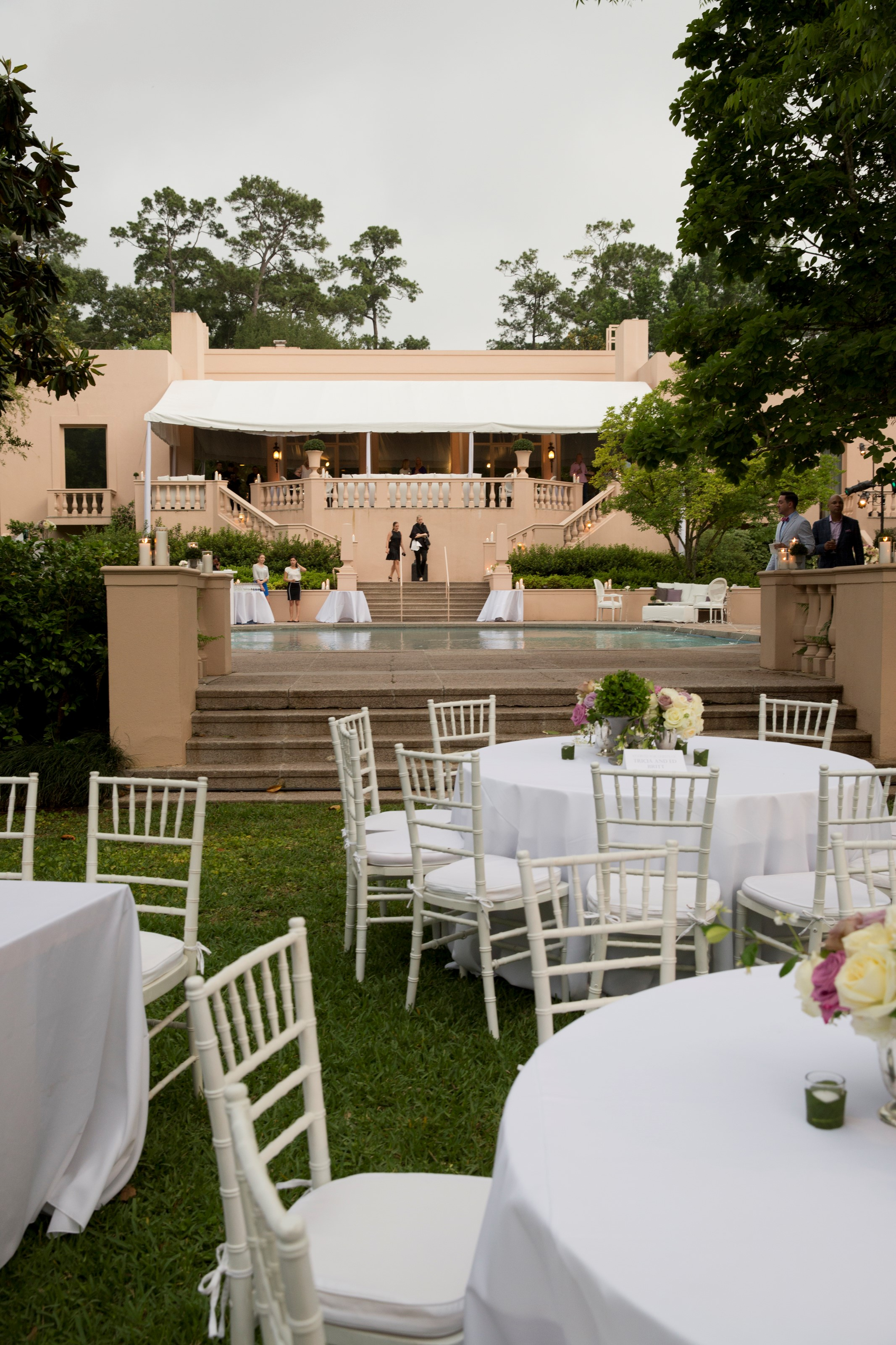 2016 rienzi spring party - tables in front of house
