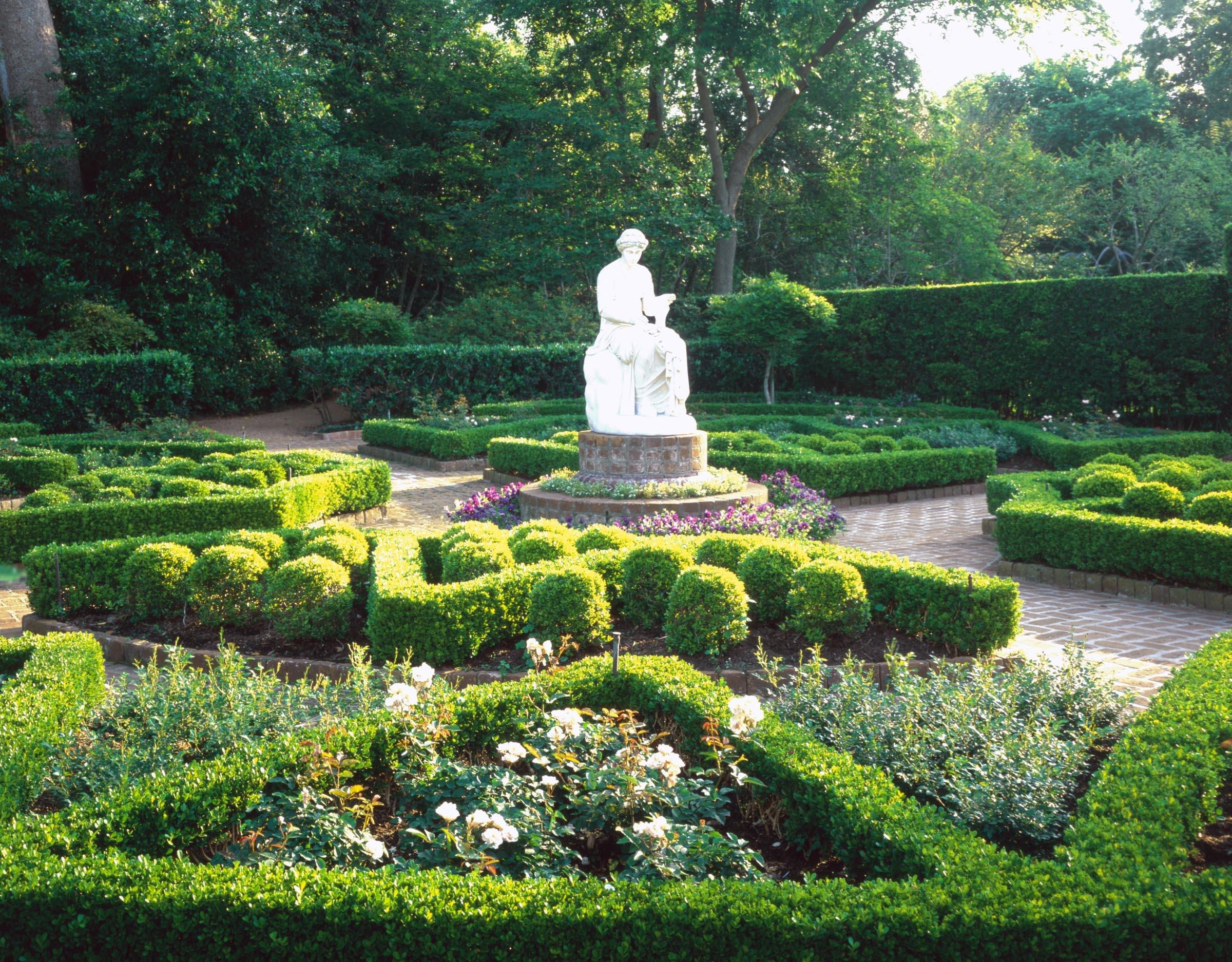 Ordinaire Bayou Bend Clio Garden 2