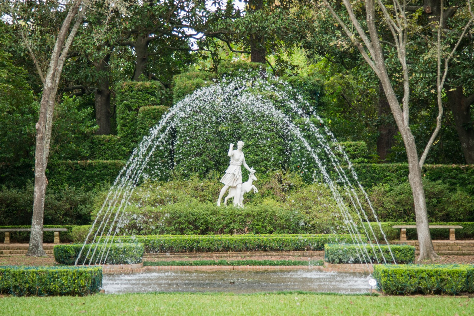 Bayou Bend Diana Garden / fountain