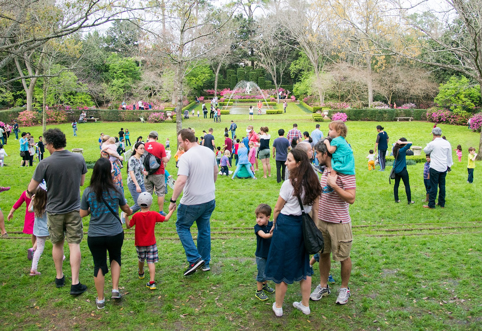 Bayou Bend Family Day - children, family on south lawn / diana garden