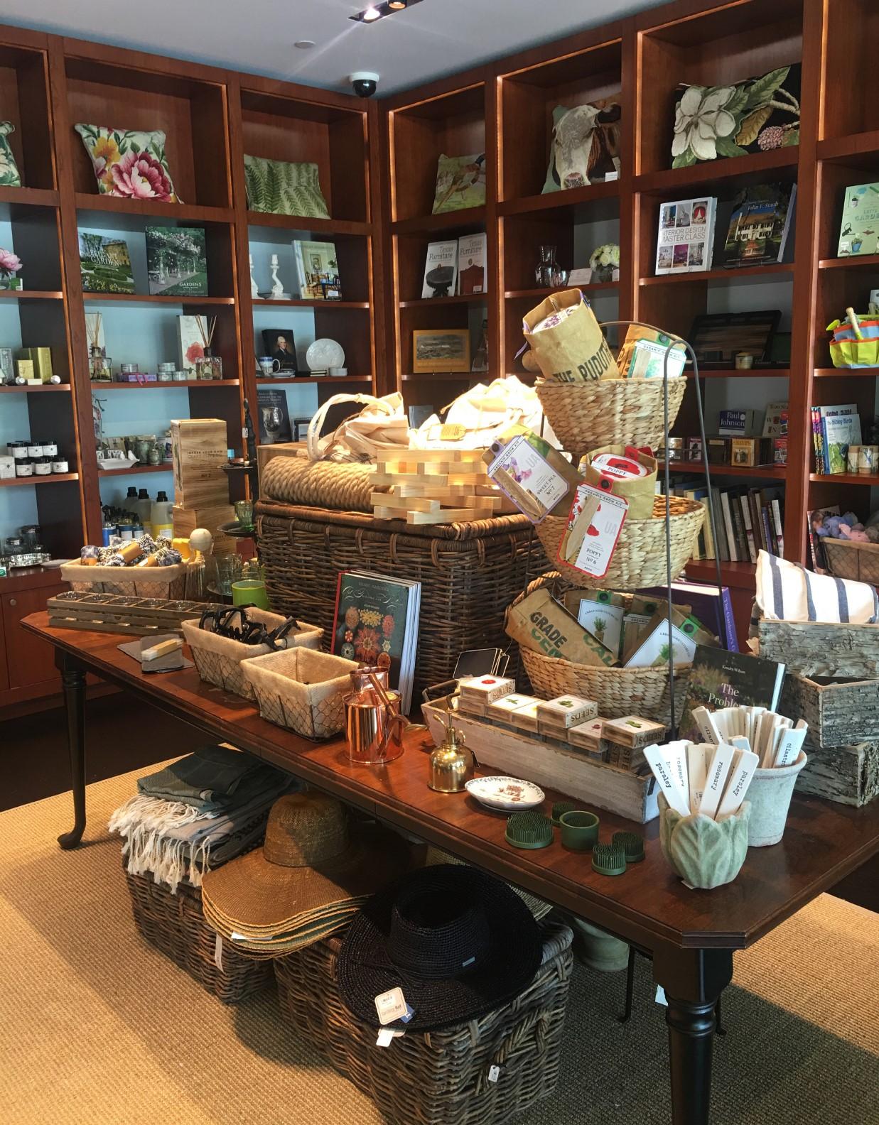 Bayou Bend Shop for Moving Sale
