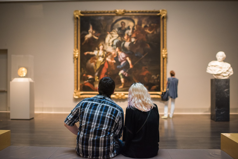 couple in beck building / european art galleries