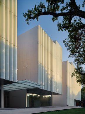 The Nancy and Rich Kinder Building at the Museum of Fine Arts, Houston, east facade. Photo by Peter Molick