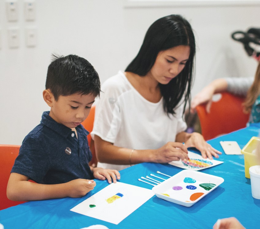 family art-making in the studio / little artists, summer art explorers
