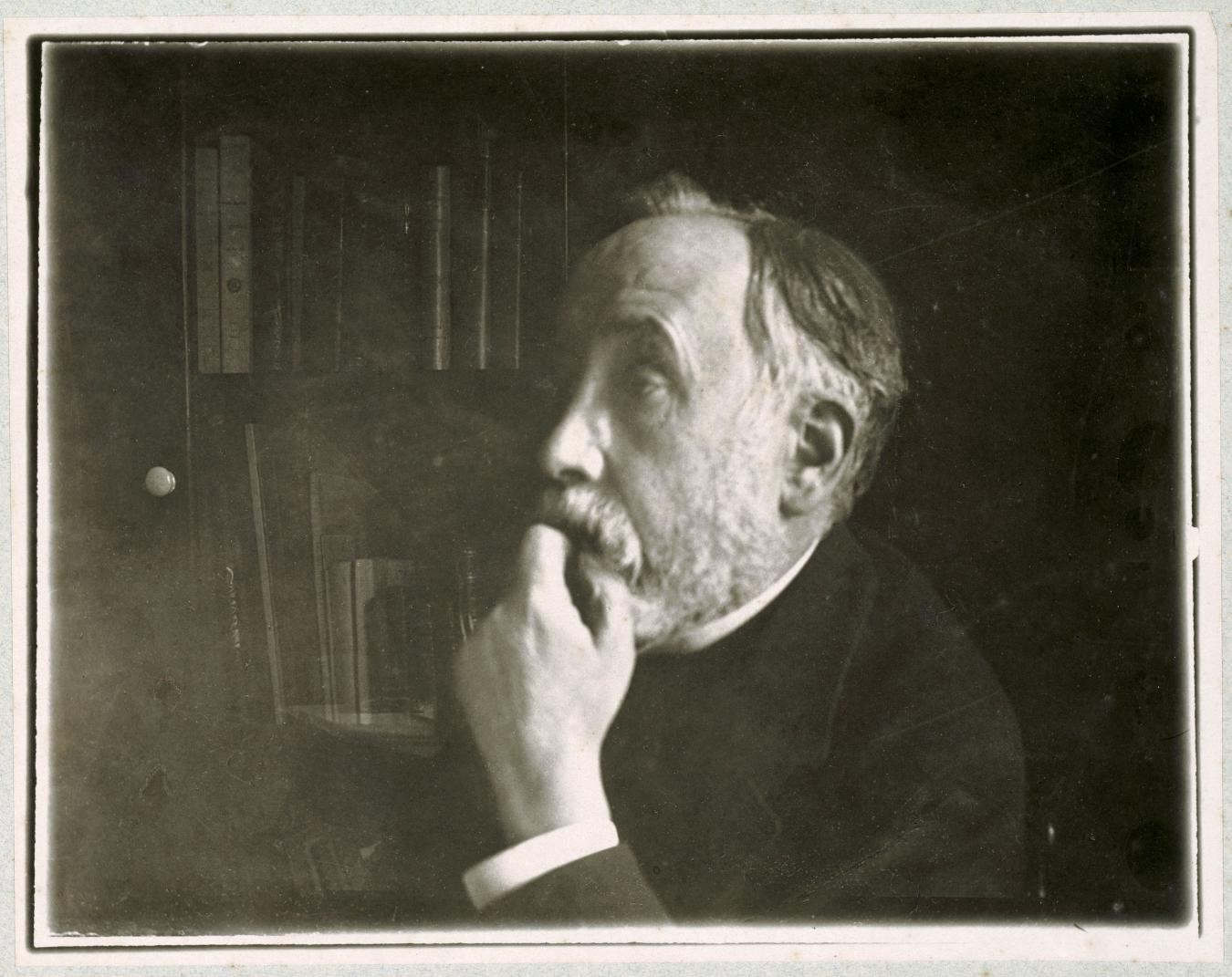 FOR BLOG POST ONLY - Degas self-portrait in library