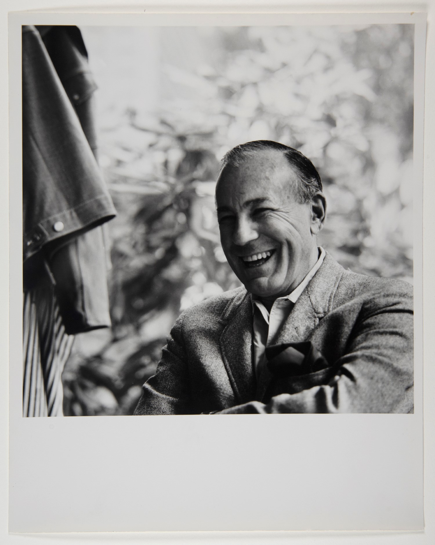 Lester Beall's Library /  Hirsch