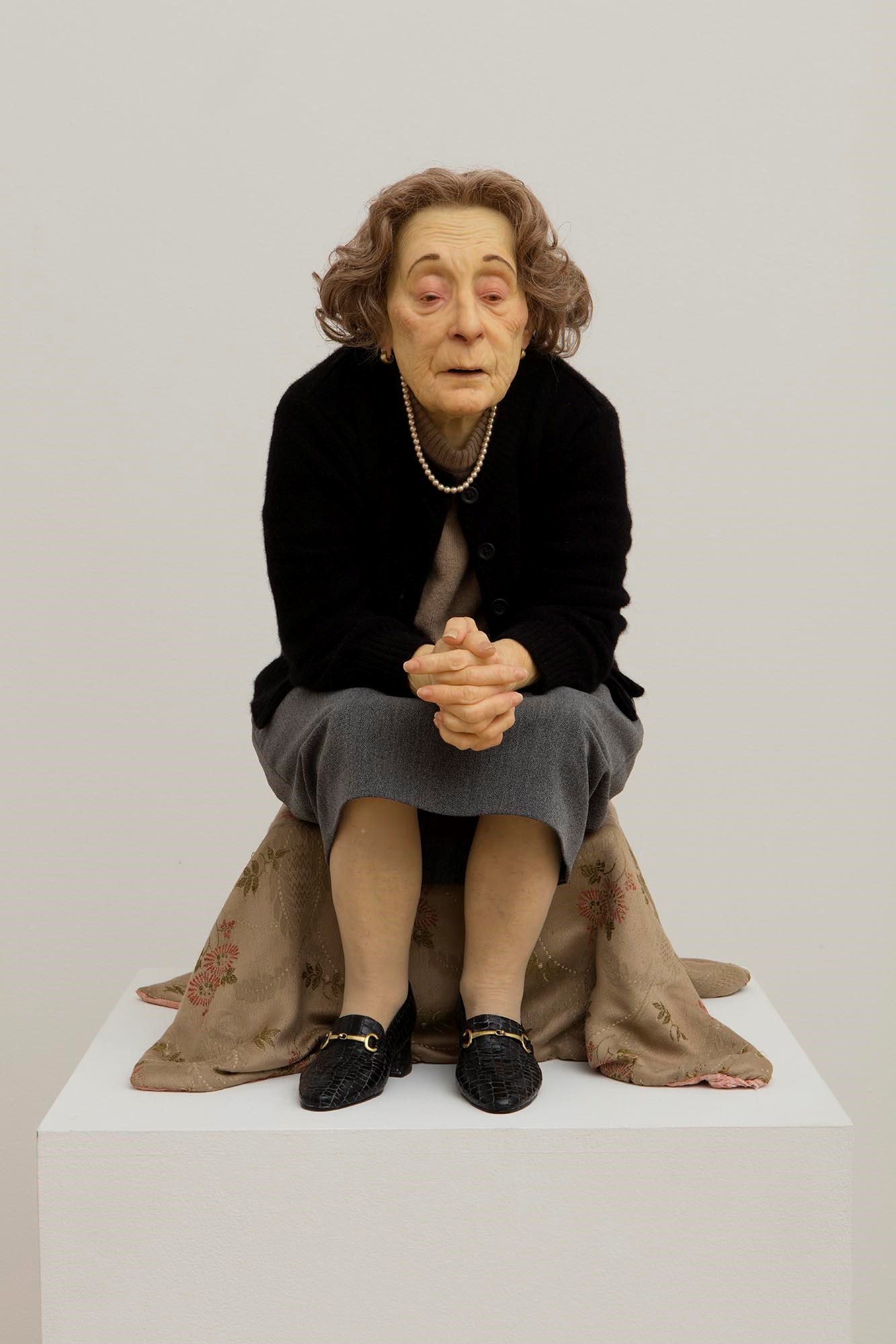 Conceived by Ron Mueck and executed by Sam Jinks this sculpture is ...