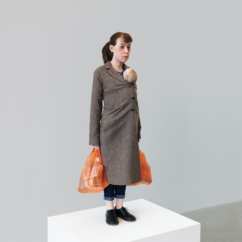 Mueck - Woman with Shopping