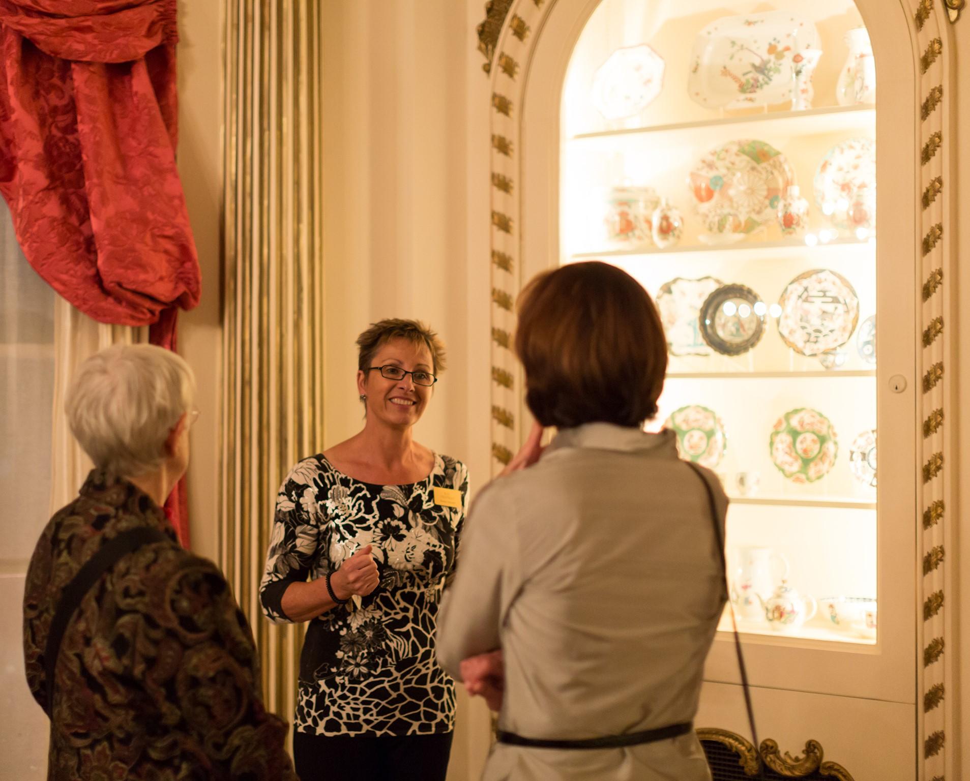 Rienzi gallery talk / tour with porcelain