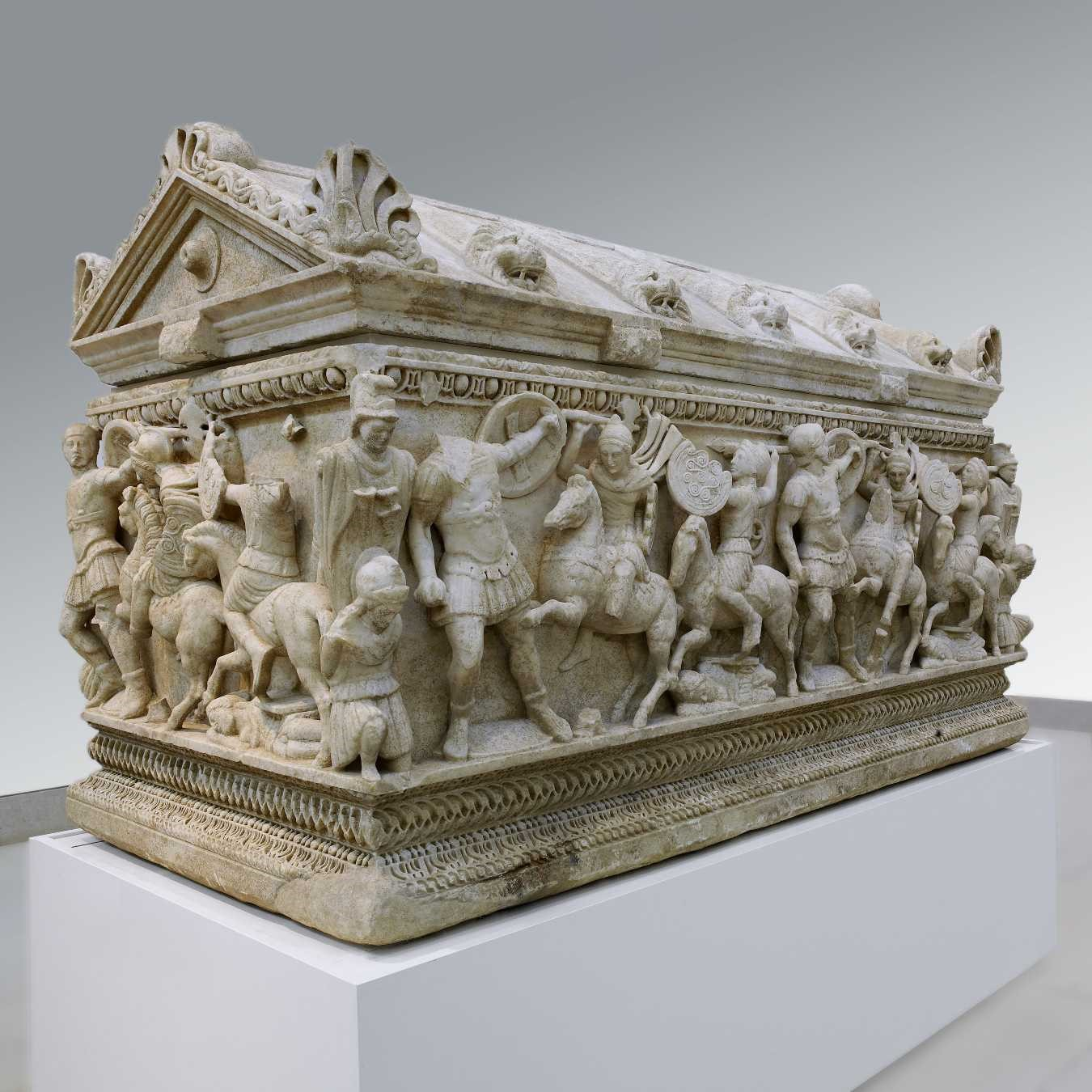 Sarcophagus with Soldiers and Amazons