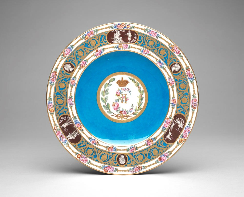 """Sèvres Porcelain Manufactory, Dinner Plate from the """"Empress Catherine"""" Service, 1778, soft-paste porcelain, the Rienzi Collection"""