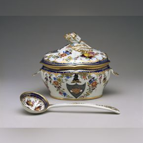 """Worcester Porcelain Manufactory,Covered Dessert Tureen and Ladle from the """"Bostock"""" Service, c. 1789–90, soft-paste porcelain"""
