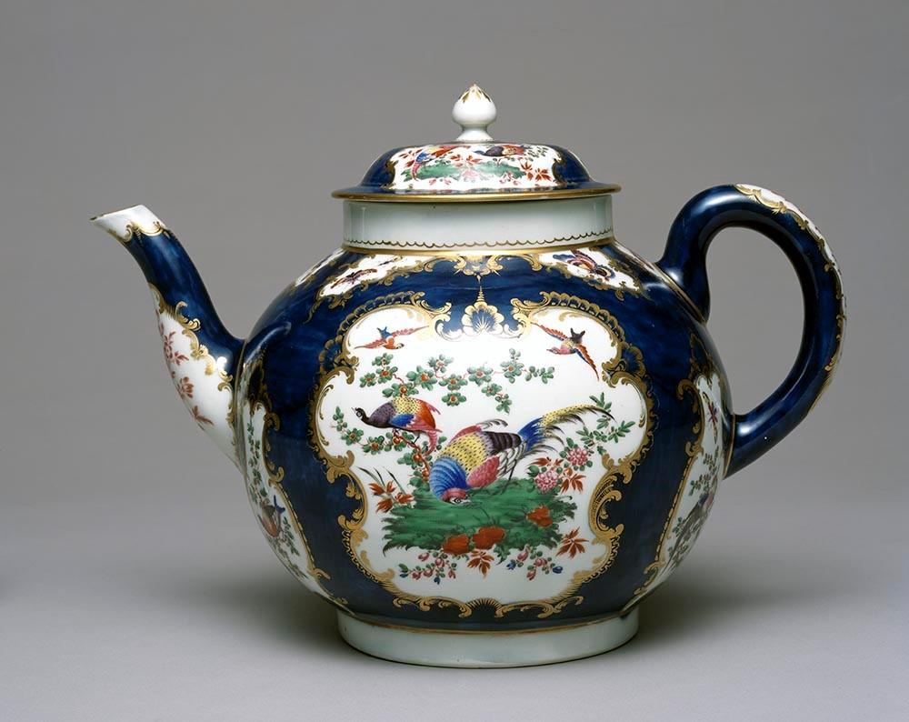 Worcester Porcelain Manufactory, Punch Pot and Cover, c. 1765, soft-paste porcelain, the Rienzi Collection